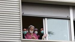 La cifra de fallecidos diarios con coronavirus vuelve a bajar en España: 301 en las últimas 24