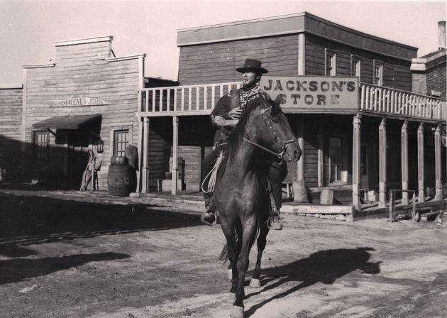 Clint Eastwood durante un rodaje en el decorado de la Dehesa de Navalvillar de Colmenar