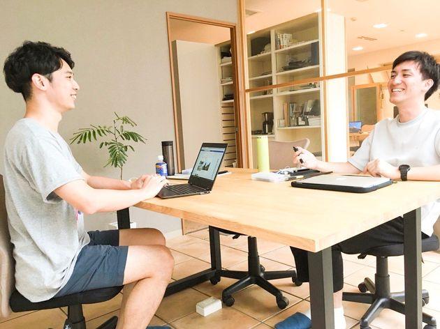 私(左)とTomoshi