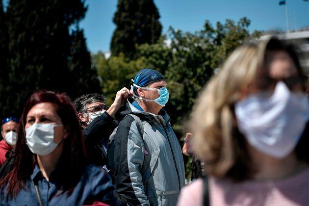 Στους 136 οι νεκροί στην Ελλάδα, 17 νέα κρούσματα - Τσιόδρας: «Μάσκα