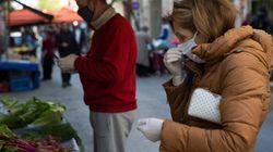 «Υποχρεωτικό μέτρο» η χρήση μάσκας σε κλειστούς χώρους, αλλά χωρίς