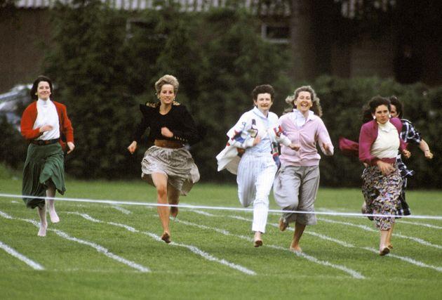 1991年の「母親レース」で走る、ダイアナ妃