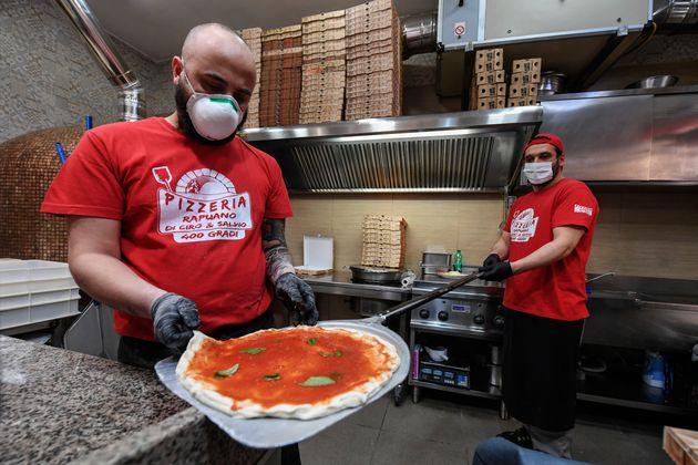60mila pizze consegnate a Napoli nel primo giorno di delivery: