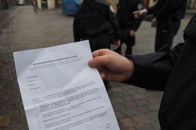 En Gironde, des malfaiteurs ont laissé derrière eux leur attestation de déplacement après avoir volé...
