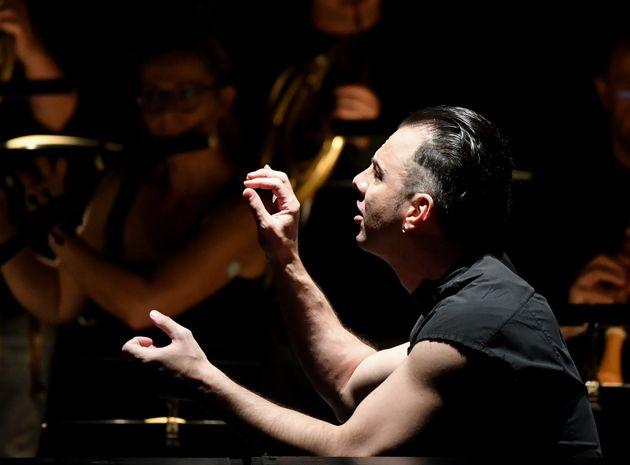 Συναυλίες του «ροκ σταρ» μαέστρου Θεόδωρου Κουρεντζήκαι της MusicAeterna στο