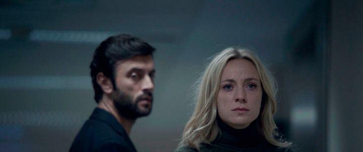 Javier Rey y Ángela Cremonte en 'Mentiras'.