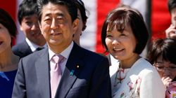 安倍総理、昭恵さんの大分旅行に国会で答弁「私の妻も含めまして、8割接触を減らすということで全力を尽くさなければ」