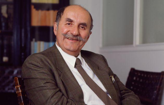 Georges-Jean Arnaud, ici photographié en 1988, aura écrit plus de 400 romans durant sa