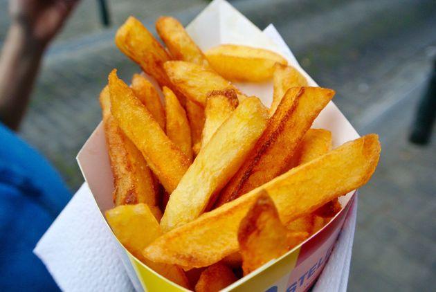 ベルギー、フライドポテトをもっと食べるよう国民に求める。「週に一度では足りません」【新型コロナ】