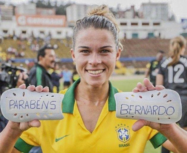 Em 2014, a jogadora Tamires Dias fez homenagem ao filho Bernardo, hoje