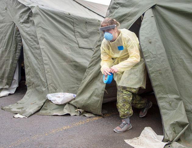 Les deux tentes seront remplacées par deshôpitaux de