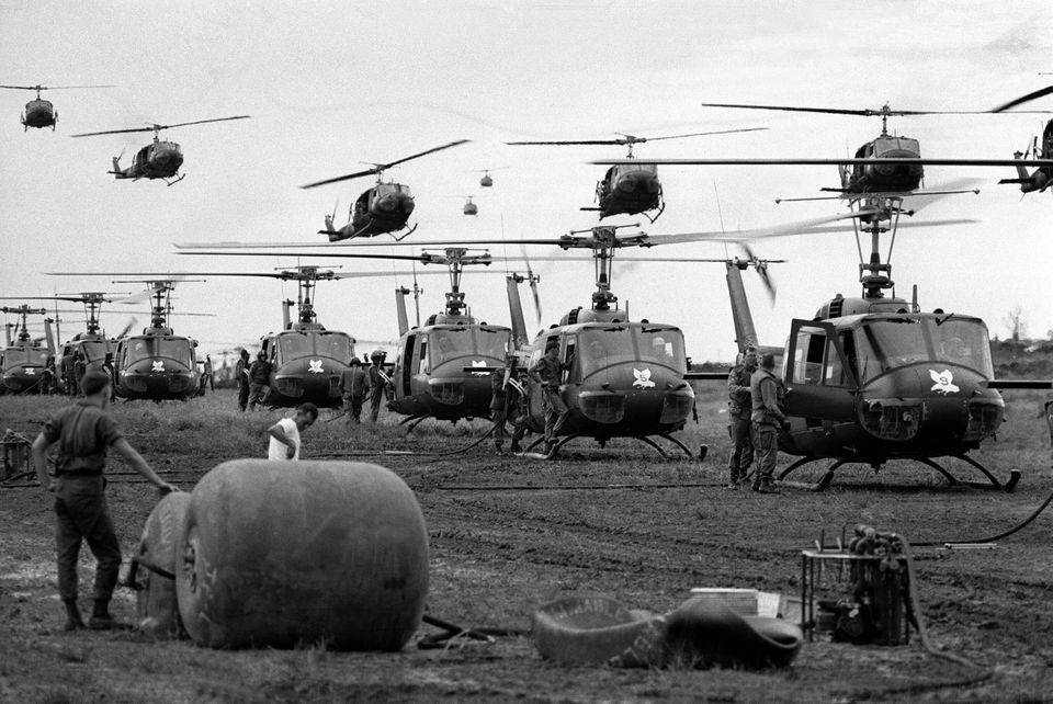 Ελικόπτερα τύπου στο...