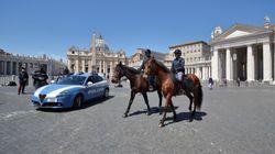 Il cavallo del Papa, gli asini del cardinale e l'accordo per le messe raggiunto tra Cei e governo (di M.A.