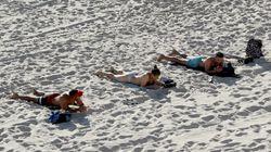 Andalucía plantea playas a mitad de aforo, control policial y sin
