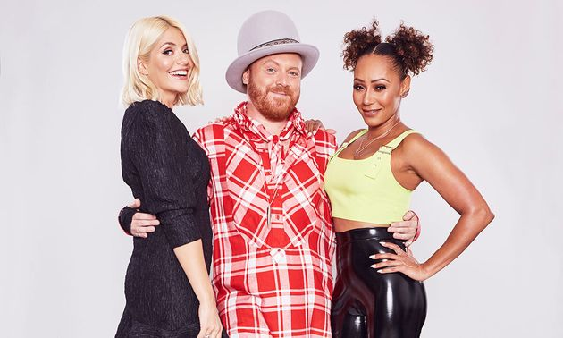 Holly Willoughby with Celebrity Juice host Keith Lemon and other team captain Mel