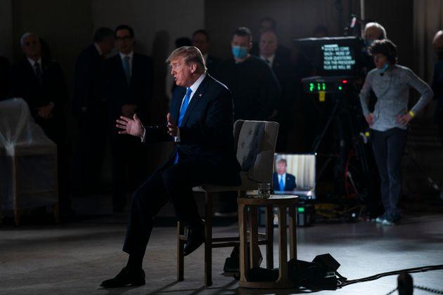 도널드 트럼프 미국 대통령이 폭스뉴스 타운홀 미팅에서 발언하고 있다. 워싱턴DC. 2020년