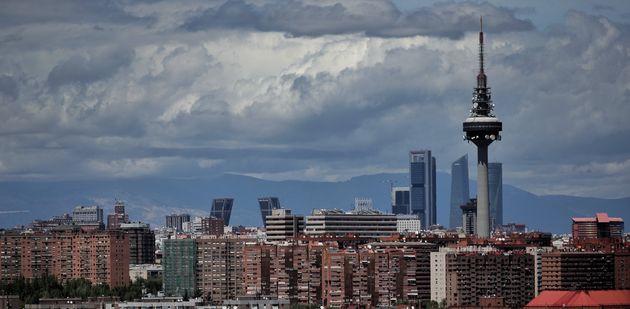 El 'skyline' de Madrid desde el Cerro del Tío Pío el 29 de abril de