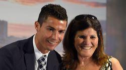 Cristiano Ronaldo le hace un regalo de 100.000 euros a su madre y le llueven las