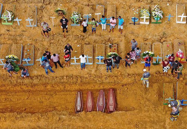 Imagens de vales coletivas em Manaus (AM) chamaram atenção do mundo. Estado tem fortes...