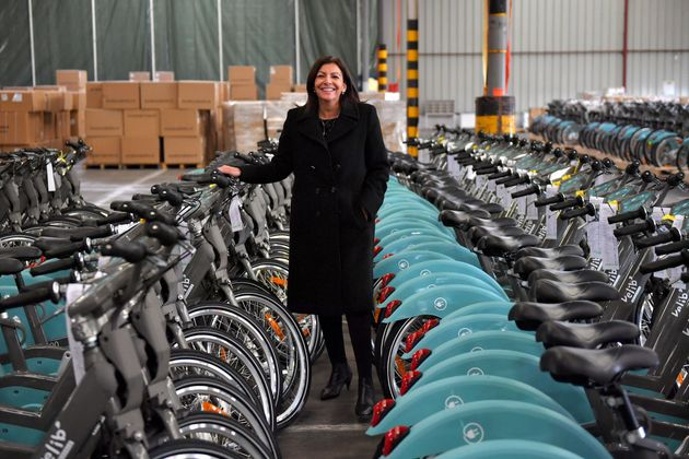 Au déconfinement, Anne Hidalgo veut encourager l'utilisation du vélo aux dépens...