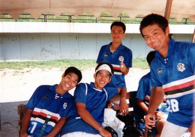 大学時代。体育会フィールドホッケー部の仲間たちと。