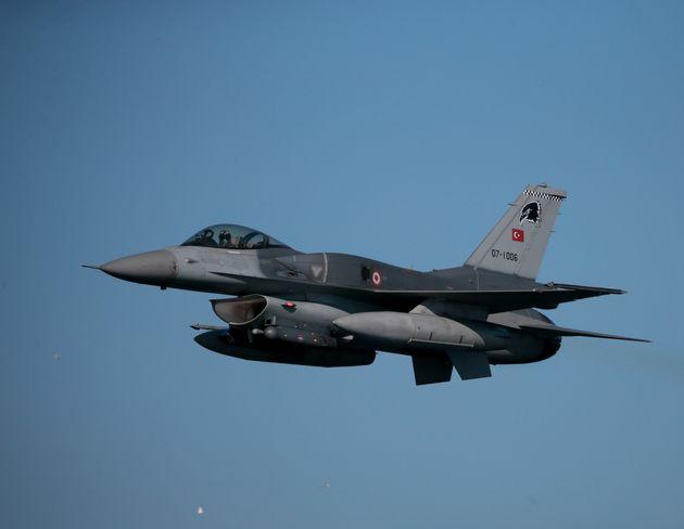 Υπερπτήση τουρκικών μαχητικών πάνω από τις