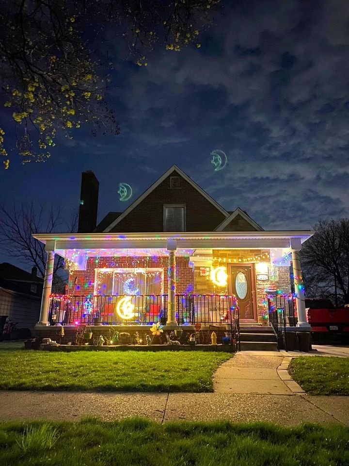 A family in greater Dearborn participates in the Ramadan Lights Contest.