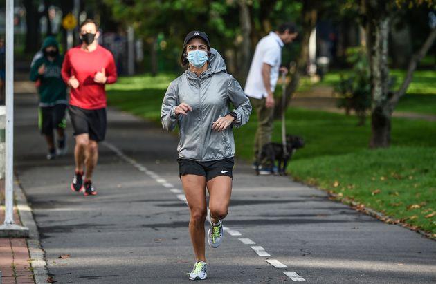 Des sportifs français inquiets d'avoir été contaminés par le nouveau coronavirus dès le mois d'octobre...
