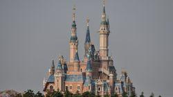 上海ディズニーリゾート、5月11日から正式に営業再開。キャラとの2ショットはしばらくお預け