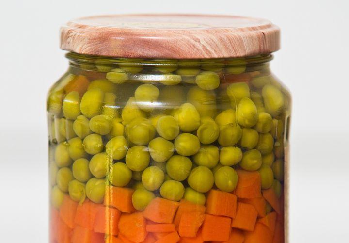Il y a beaucoup de recettes que vous pouvez cuisiner simplement avec des petits-pois carottes.