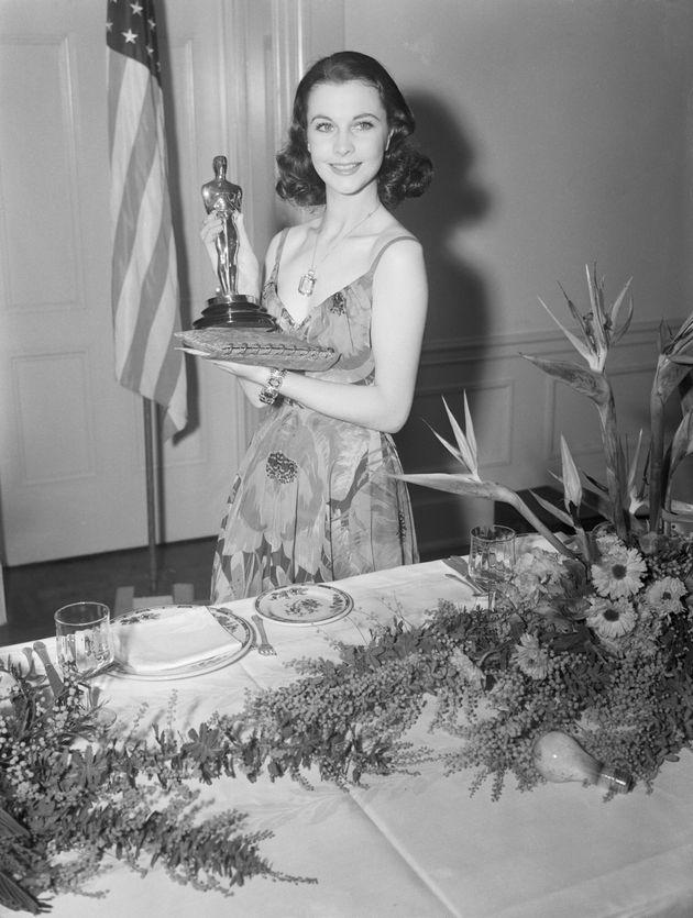 Vivien Leigh logo após de ganhar o Oscar por