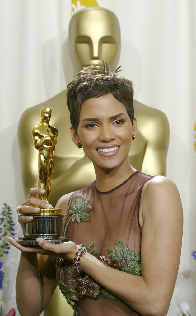 Halle Berry levou o Oscar de Melhor Atriz em