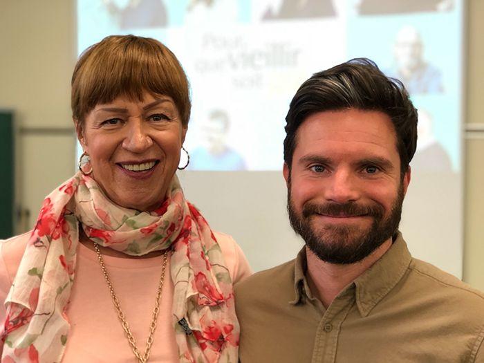 Carole Normandin et Julien Rougerie lors d'une formation de Pour que vieillir soit gai, en 2019