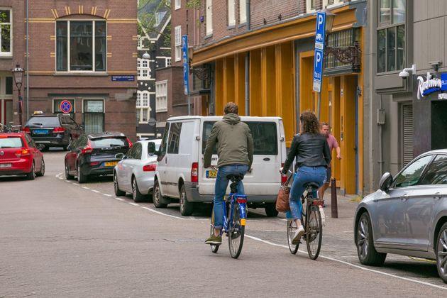 Le vélo semble être une solution pour se rendre au travail avec le début du déconfinement...