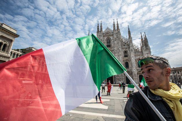 Italia marca su menor número de positivos en dos