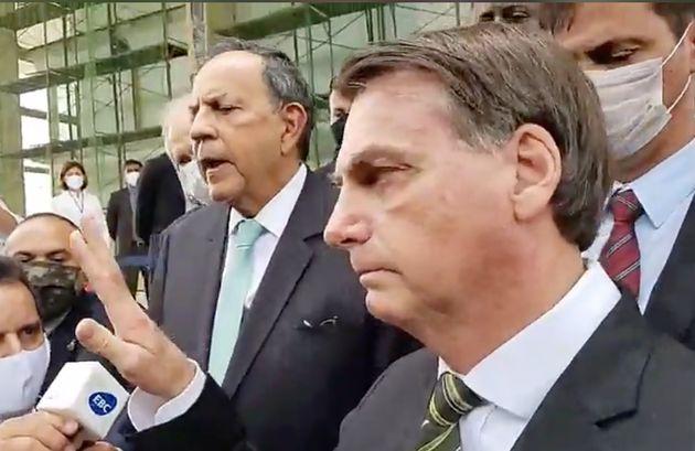 Presidente falou em frente ao STF, para onde foi à pé acompanhado de ministros e empresários nesta quinta,...