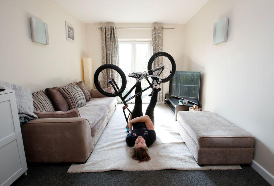 Η Βρετανίδα ποδηλάτης...