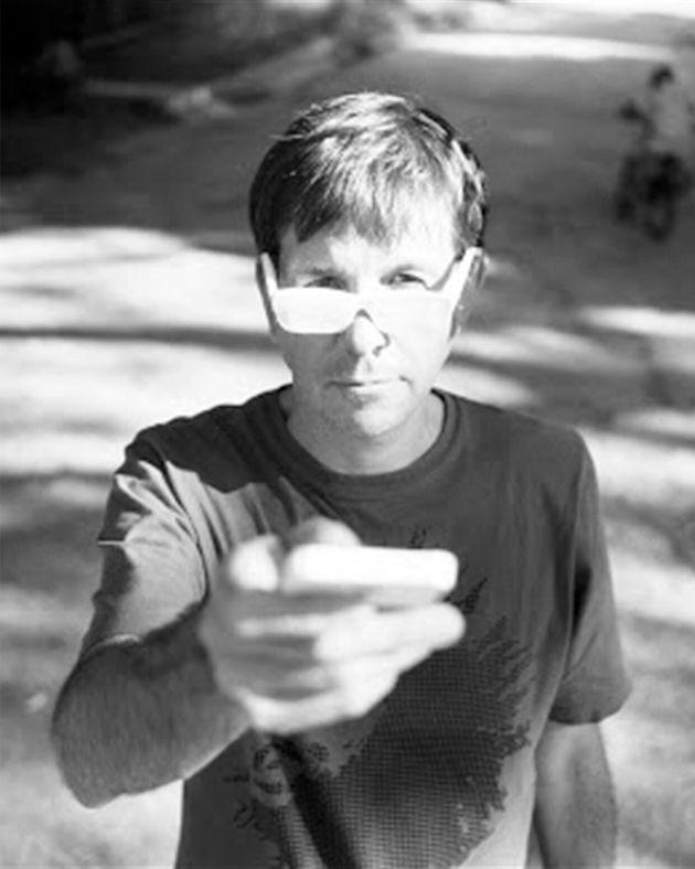 El escritor argentino Eduardo Berti. /Foto de Dorothée Billard – cortesía Páginas...