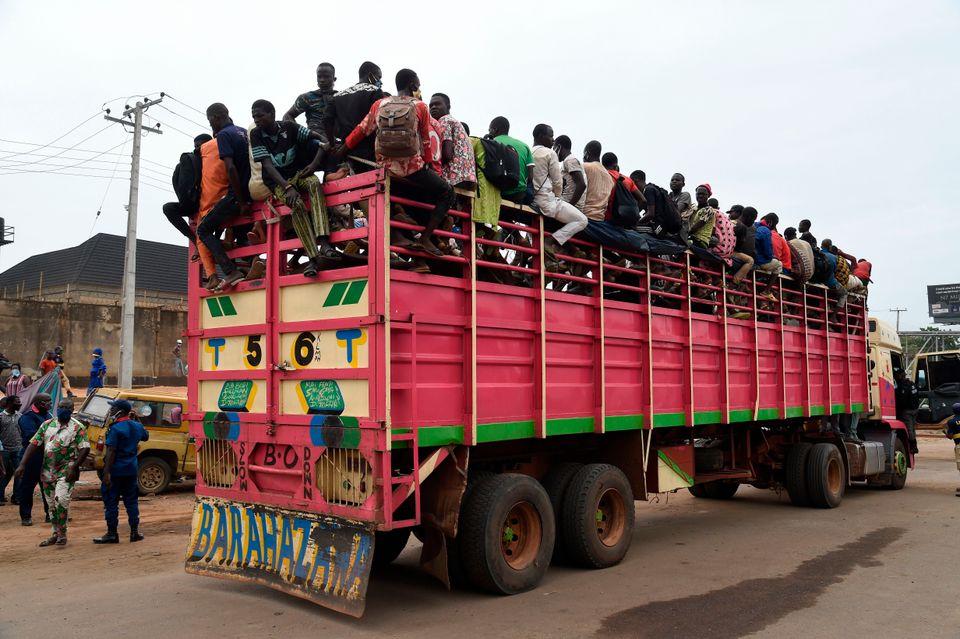 Οι αρχές σταμάτησαν φορτηγό...