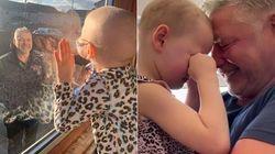 Il papà riabbraccia la piccola Mila, malata di tumore, dopo il lockdown: il video