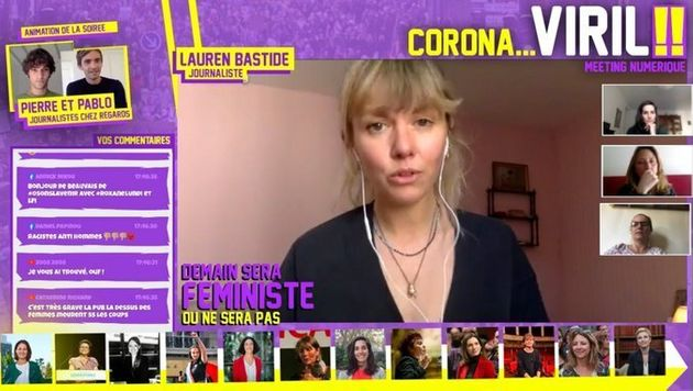 Pendant le meeting féministe en ligne