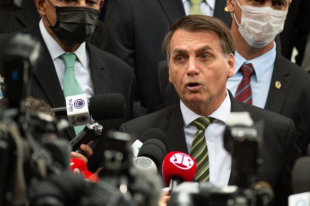AGU, que representa Bolsonaro, tenta ganhar tempo para apresentar o vídeo de reunião ministerial...