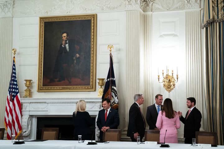 Why does this White House meeting in the middle of a pandemic look more like a cocktail hour?