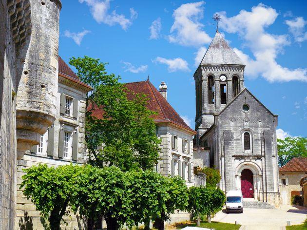 Des obsèques ayant eu lieu en Dordogne pourraient être la source de nombreuses contaminations...