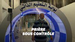 Des cabines de désinfection à l'entrée de la Grande Mosquée de La
