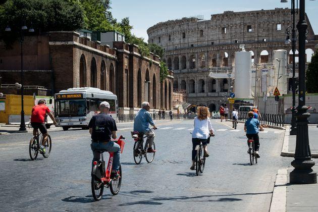 Vista del Coliseo romano este sábado 9 de