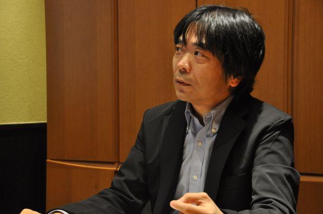 国際大学GLOCOMの主幹研究員・准教授の豊福晋平さん=2月4日撮影
