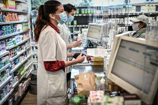 Dans une pharmacie à Paris, le 29 avril