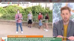 El enfado de un presentador de Murcia al ver esta imagen en directo: