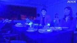 El vídeo que muestra cómo un virus puede contagiar a todos los clientes de un restaurante en solo 30